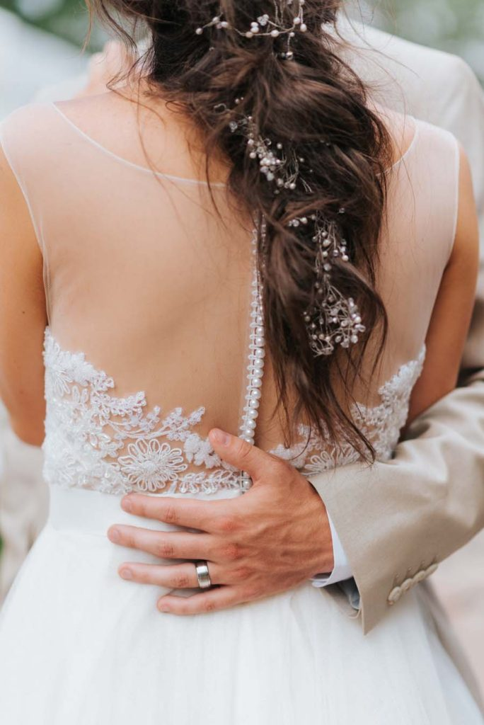 How To Hide Back Fat In Wedding Dress The Wedding Blogger,Wedding Dress Sample Sales Houston Tx